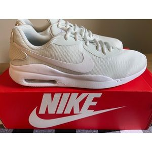 Womens Nike Air Max Oketo